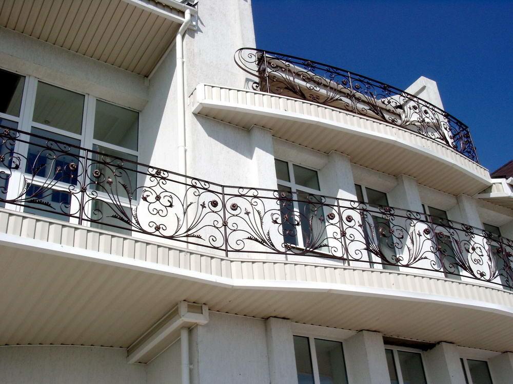 Заказать кованые балконы и ограждения балконов в астрахани. .